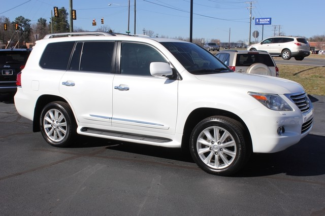 2008 Lexus LX 570 4WD - TECH PKG - REAR DVD - HEATED/COOLED LEATHER! Mooresville , NC 21