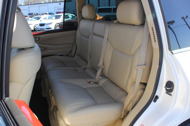 2008 Lexus LX 570 4WD - TECH PKG - REAR DVD - HEATED/COOLED LEATHER! Mooresville , NC 10