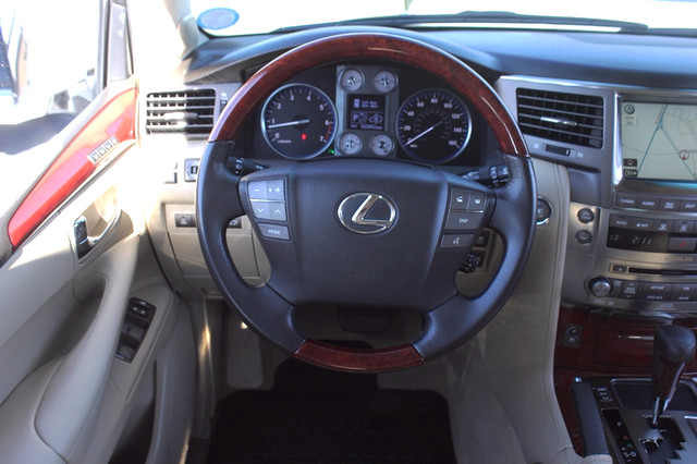 2008 Lexus LX 570 4WD - TECH PKG - REAR DVD - HEATED/COOLED LEATHER! Mooresville , NC 5