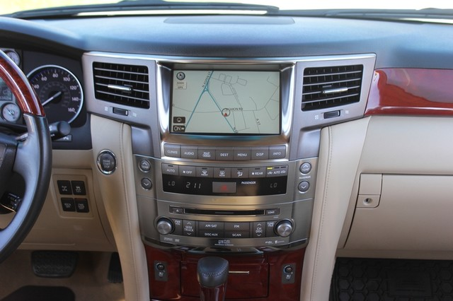 2008 Lexus LX 570 4WD - TECH PKG - REAR DVD - HEATED/COOLED LEATHER! Mooresville , NC 9