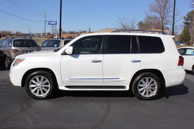 2008 Lexus LX 570 4WD - TECH PKG - REAR DVD - HEATED/COOLED LEATHER! Mooresville , NC 15