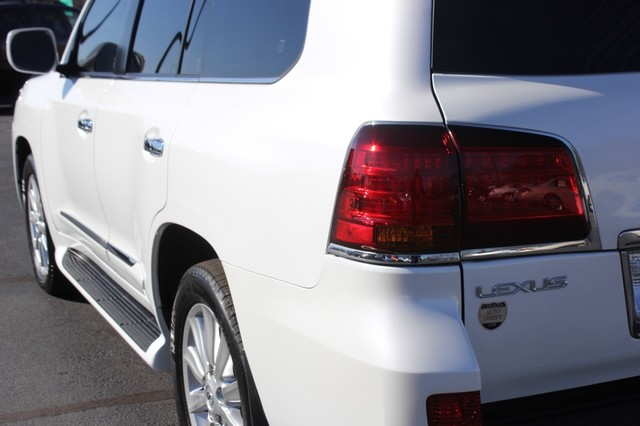 2008 Lexus LX 570 4WD - TECH PKG - REAR DVD - HEATED/COOLED LEATHER! Mooresville , NC 32