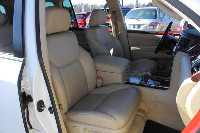 2008 Lexus LX 570 4WD - TECH PKG - REAR DVD - HEATED/COOLED LEATHER! Mooresville , NC 13