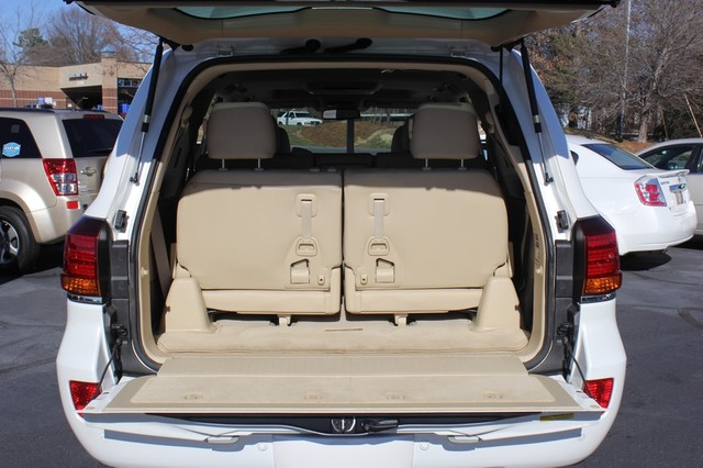 2008 Lexus LX 570 4WD - TECH PKG - REAR DVD - HEATED/COOLED LEATHER! Mooresville , NC 12