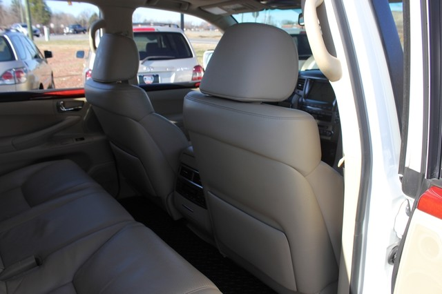 2008 Lexus LX 570 4WD - TECH PKG - REAR DVD - HEATED/COOLED LEATHER! Mooresville , NC 63