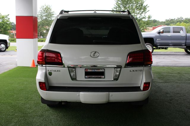 2008 Lexus LX 570 4WD - TECH PKG - REAR DVD - HEATED/COOLED LEATHER! Mooresville , NC 19