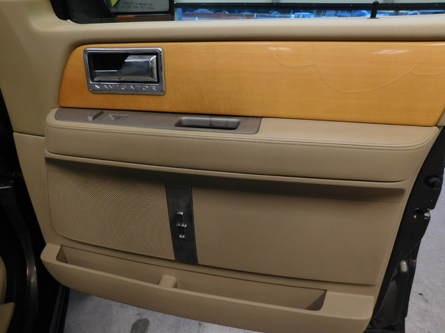 2008 Lincoln Navigator   city TN  Doug Justus Auto Center Inc  in Airport Motor Mile ( Metro Knoxville ), TN