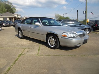 2008 Lincoln Town Car Limited Batesville, Mississippi 1