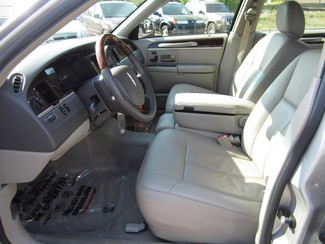 2008 Lincoln Town Car Limited Batesville, Mississippi 8