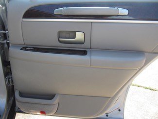 2008 Lincoln Town Car Limited Batesville, Mississippi 18