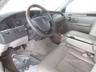 2008 Lincoln Town Car Limited Gardena, California 4