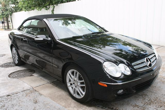 2008 Mercedes-Benz CLK350 CONVT 3.5L Houston, Texas 1