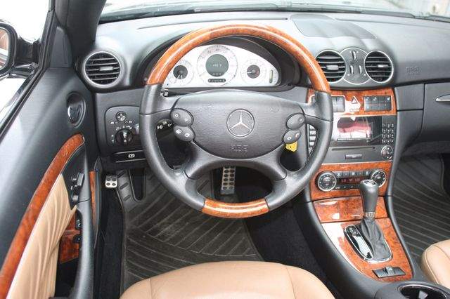 2008 Mercedes-Benz CLK350 CONVT 3.5L Houston, Texas 17