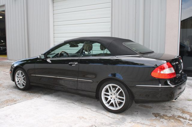 2008 Mercedes-Benz CLK350 CONVT 3.5L Houston, Texas 4