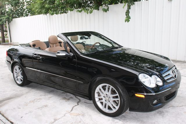 2008 Mercedes-Benz CLK350 CONVT 3.5L Houston, Texas 9
