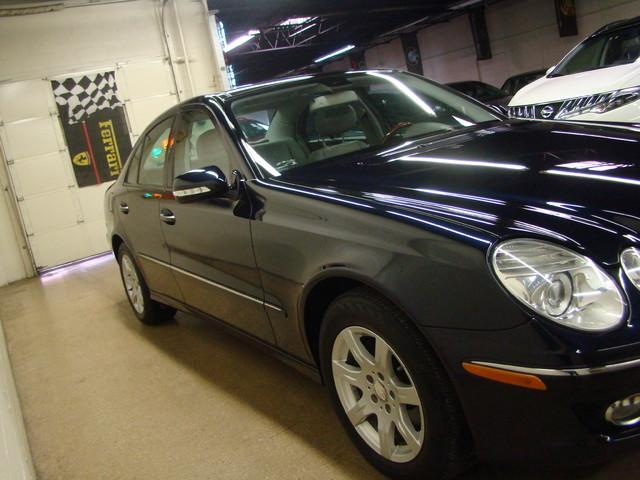 2008 Mercedes-Benz E320 3.0L Batavia, Illinois 5
