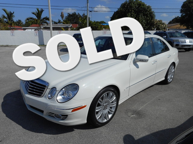 2008 Mercedes E350 Luxury 35L CLEAN CARFAX LEATHER NAVIGATION  GPS  NAVI and SUNROOF