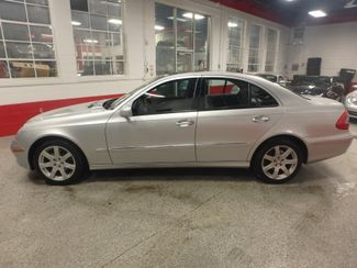 2008 Mercedes E350 4-Matic CLASSY, CLEAN AND  SOLID! LARGE ROOF! Saint Louis Park, MN 9