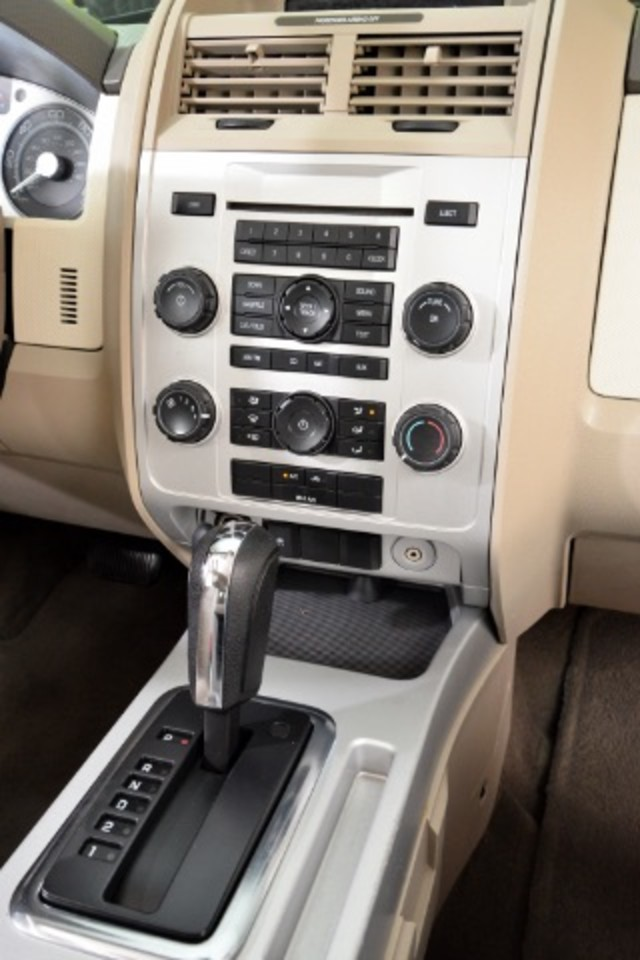 2008 Mercury Mariner I4 2WD San Antonio , Texas 11