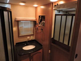 2008 Mobile Suites Elite Suite 38RL3   3 Slides Bend, Oregon 18