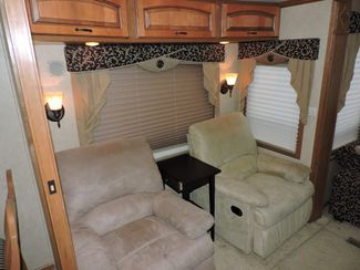 2008 Mobile Suites Elite Suite 38RL3   3 Slides Bend, Oregon 8