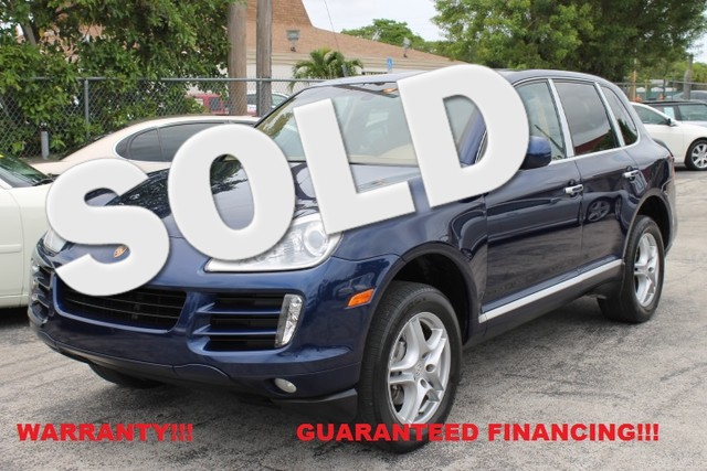 2008 Porsche Cayenne  WARRANTY CARFAX CERTIFIED AUTOCHECK CERTIFIED 1OWNER FLORIDA VEHICLE