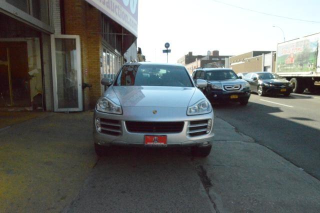 2008 Porsche Cayenne AWD 4dr Tiptronic Richmond Hill, New York 1