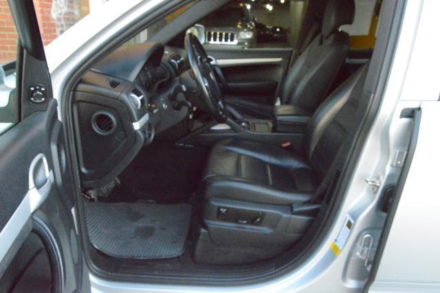2008 Porsche Cayenne AWD 4dr Tiptronic Richmond Hill, New York 15