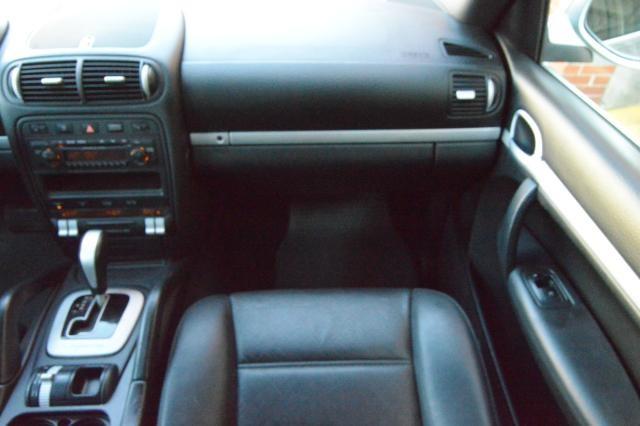 2008 Porsche Cayenne AWD 4dr Tiptronic Richmond Hill, New York 33