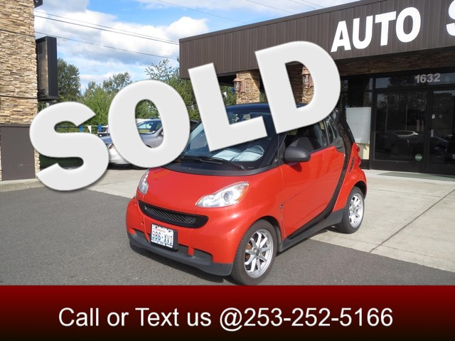 2008 Smart fortwo Pure This is the ultimate city car This SMART Car will easily slide into all of