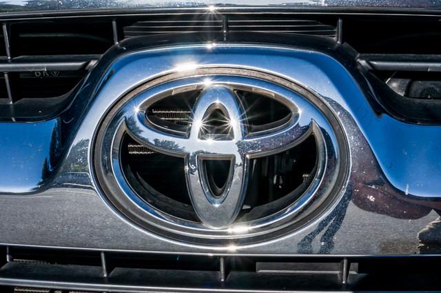2008 Toyota 4Runner SR5 - AUTO - 46K MILES - TOW PKG - SUNROOF Reseda, CA 42