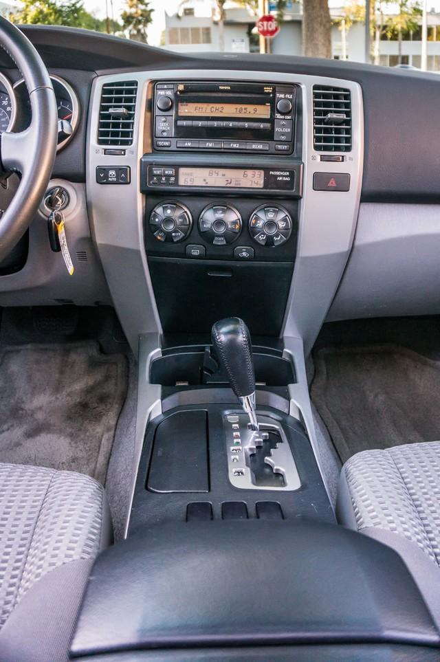 2008 Toyota 4Runner SR5 - AUTO - 46K MILES - TOW PKG - SUNROOF Reseda, CA 24