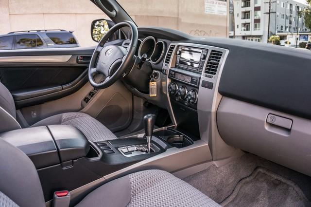 2008 Toyota 4Runner SR5 - AUTO - 46K MILES - TOW PKG - SUNROOF Reseda, CA 21
