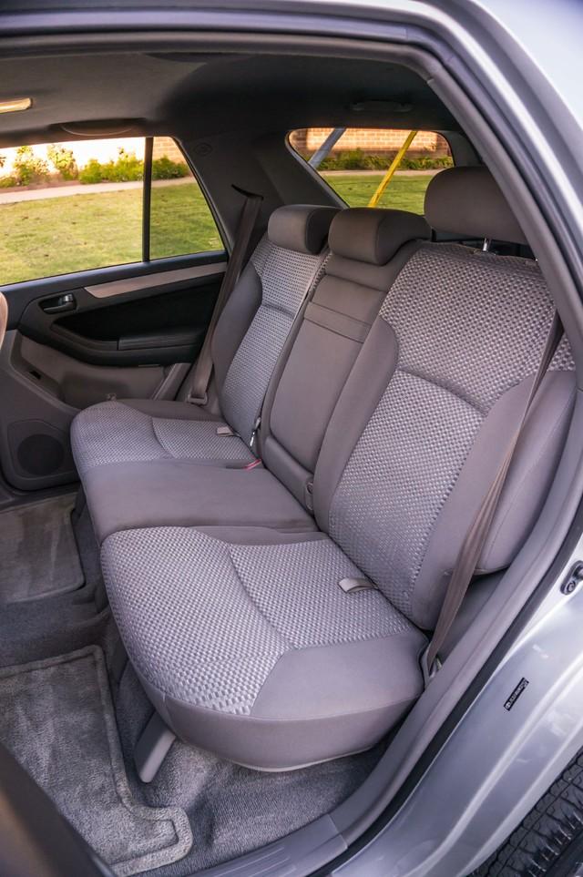 2008 Toyota 4Runner SR5 - AUTO - 46K MILES - TOW PKG - SUNROOF Reseda, CA 19