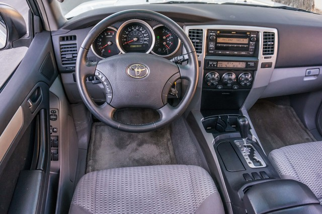 2008 Toyota 4Runner SR5 - AUTO - 46K MILES - TOW PKG - SUNROOF Reseda, CA 20