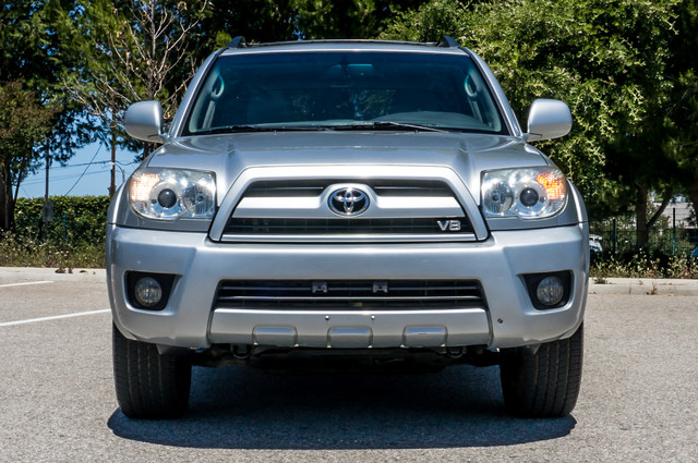 2008 Toyota 4Runner Limited 4WD - LTHR - NAVI - HTD STS - SUNROOF Reseda, CA 3