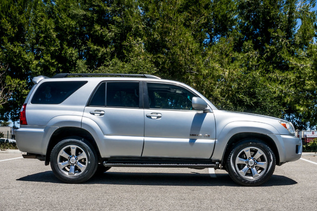 2008 Toyota 4Runner Limited 4WD - LTHR - NAVI - HTD STS - SUNROOF Reseda, CA 6