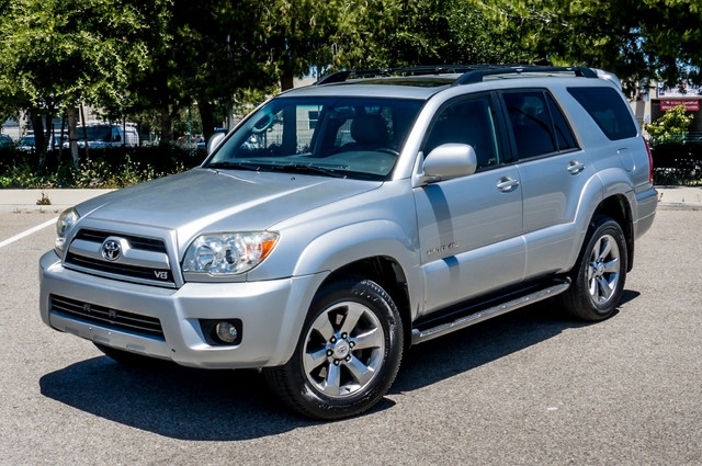 2008 Toyota 4Runner Limited 4WD - LTHR - NAVI - HTD STS - SUNROOF Reseda, CA 1