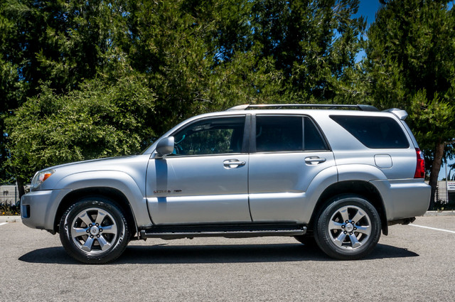 2008 Toyota 4Runner Limited 4WD - LTHR - NAVI - HTD STS - SUNROOF Reseda, CA 5