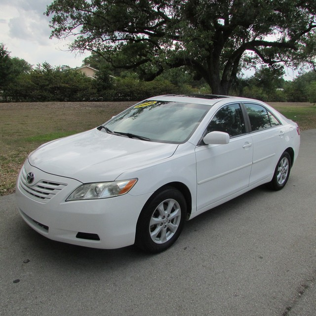 2008 TOYOTA CAMRY CE  BEAUTIFULL  2008 TOYOTA CAMRY CE WHITE COLOR LIGHT GRAY LEATHER