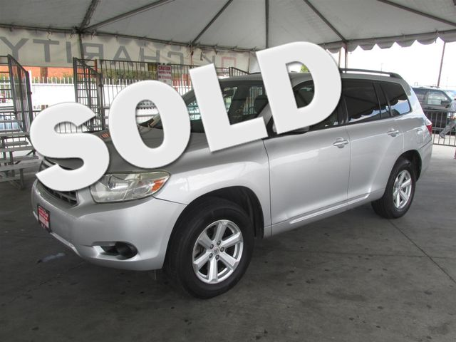 2008 Toyota Highlander Base This particular Vehicle comes with 3rd Row Seat Please call or e-mail