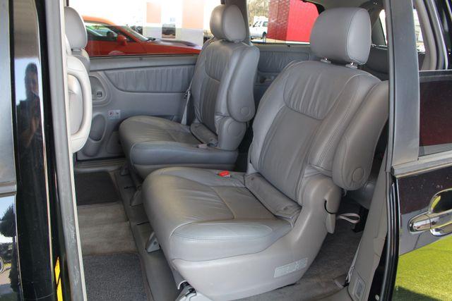 2008 Toyota Sienna XLE - REAR DVD - SUNROOF - HEATED LEATHER! Mooresville , NC 11