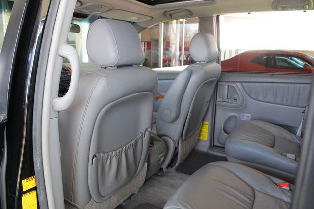2008 Toyota Sienna XLE - REAR DVD - SUNROOF - HEATED LEATHER! Mooresville , NC 40