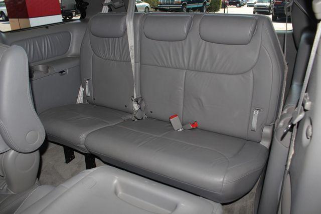 2008 Toyota Sienna XLE - REAR DVD - SUNROOF - HEATED LEATHER! Mooresville , NC 12