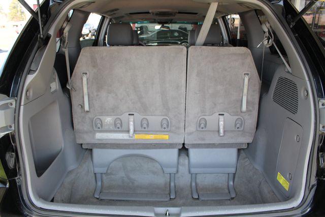 2008 Toyota Sienna XLE - REAR DVD - SUNROOF - HEATED LEATHER! Mooresville , NC 13