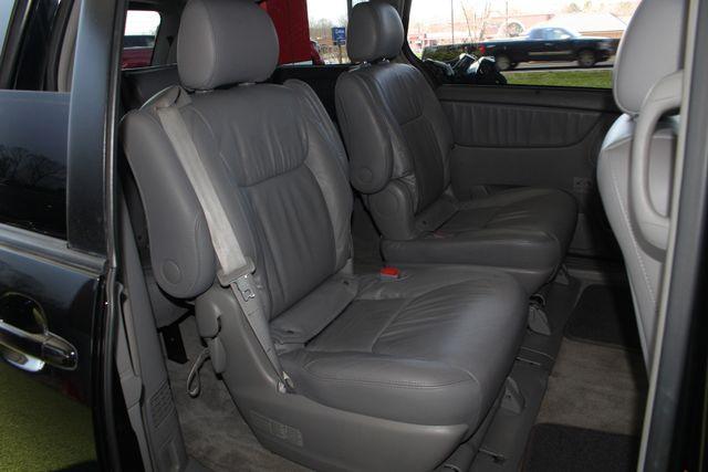 2008 Toyota Sienna XLE - REAR DVD - SUNROOF - HEATED LEATHER! Mooresville , NC 43