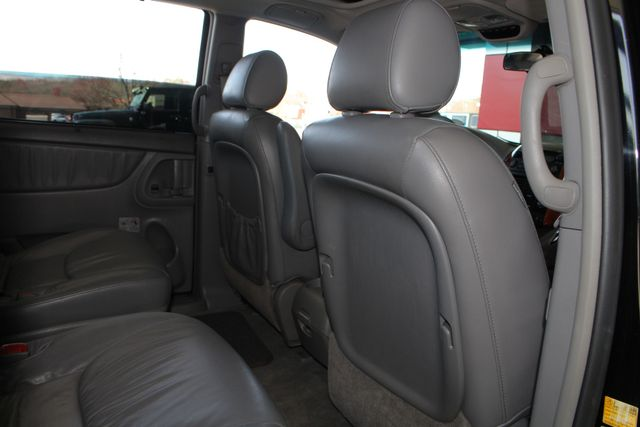 2008 Toyota Sienna XLE - REAR DVD - SUNROOF - HEATED LEATHER! Mooresville , NC 41
