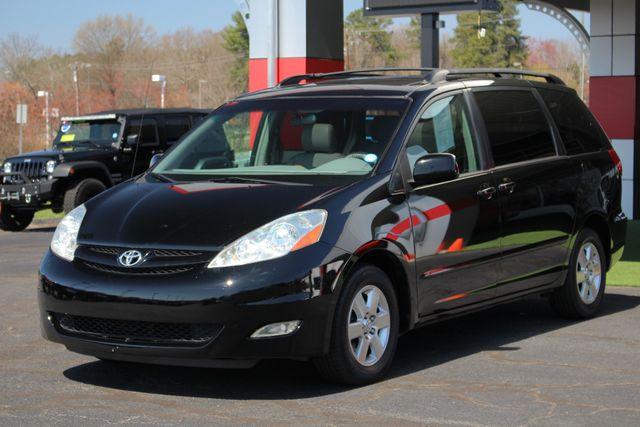2008 Toyota Sienna XLE - REAR DVD - SUNROOF - HEATED LEATHER! Mooresville , NC 24