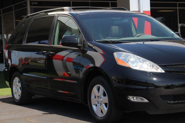 2008 Toyota Sienna XLE - REAR DVD - SUNROOF - HEATED LEATHER! Mooresville , NC 27