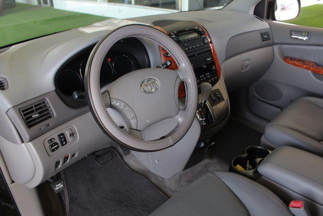 2008 Toyota Sienna XLE - REAR DVD - SUNROOF - HEATED LEATHER! Mooresville , NC 33